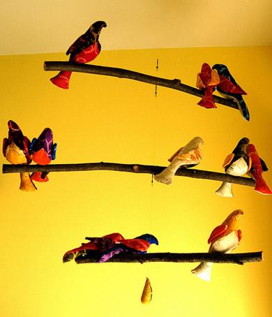 Но все же больше поклонников завоевали предметы декора, которые имитируют какой-то уголок природы, например, ветку...